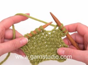 How to knit a knit (K) stitch (Continental method)