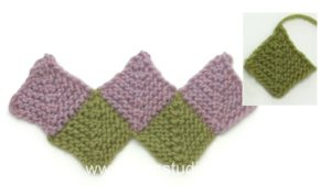 How to knit a domino square