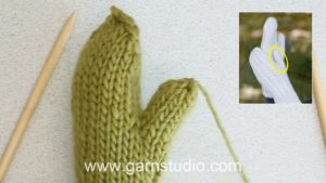 How to knit a thumb on a mitten