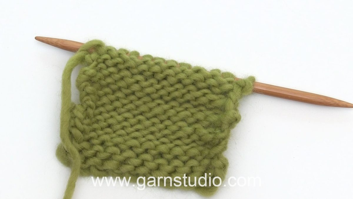 How to knit a purl (P) stitch ( Norwegian method)