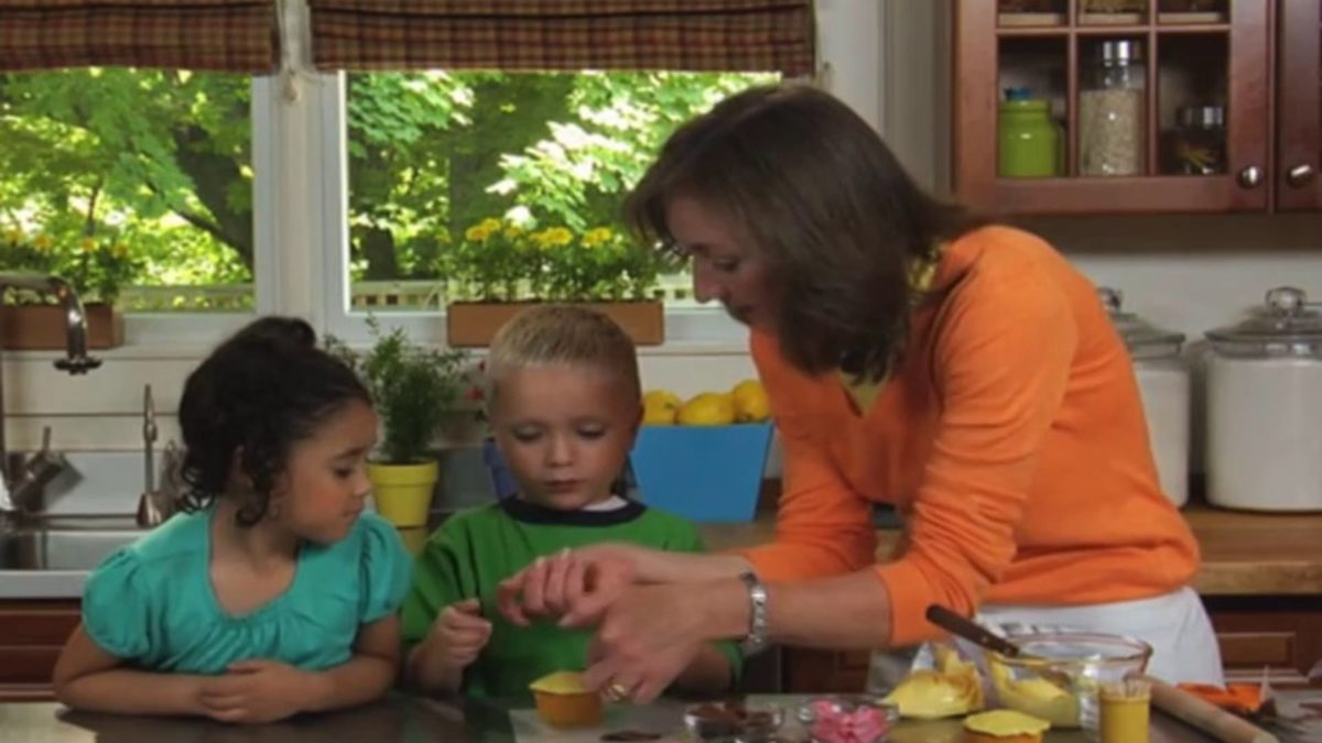 Make Ming Ming Cupcakes – Nick Jr. Cooking with Kids Recipe Video
