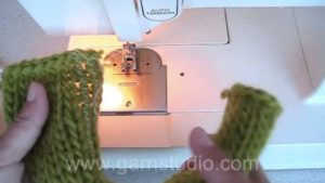 How to knit steeks and cut open