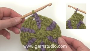 How to crochet with two colors in the round
