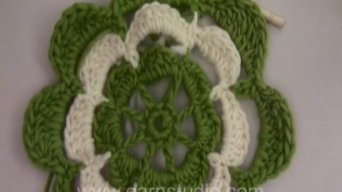 How to crochet a beautiful flower