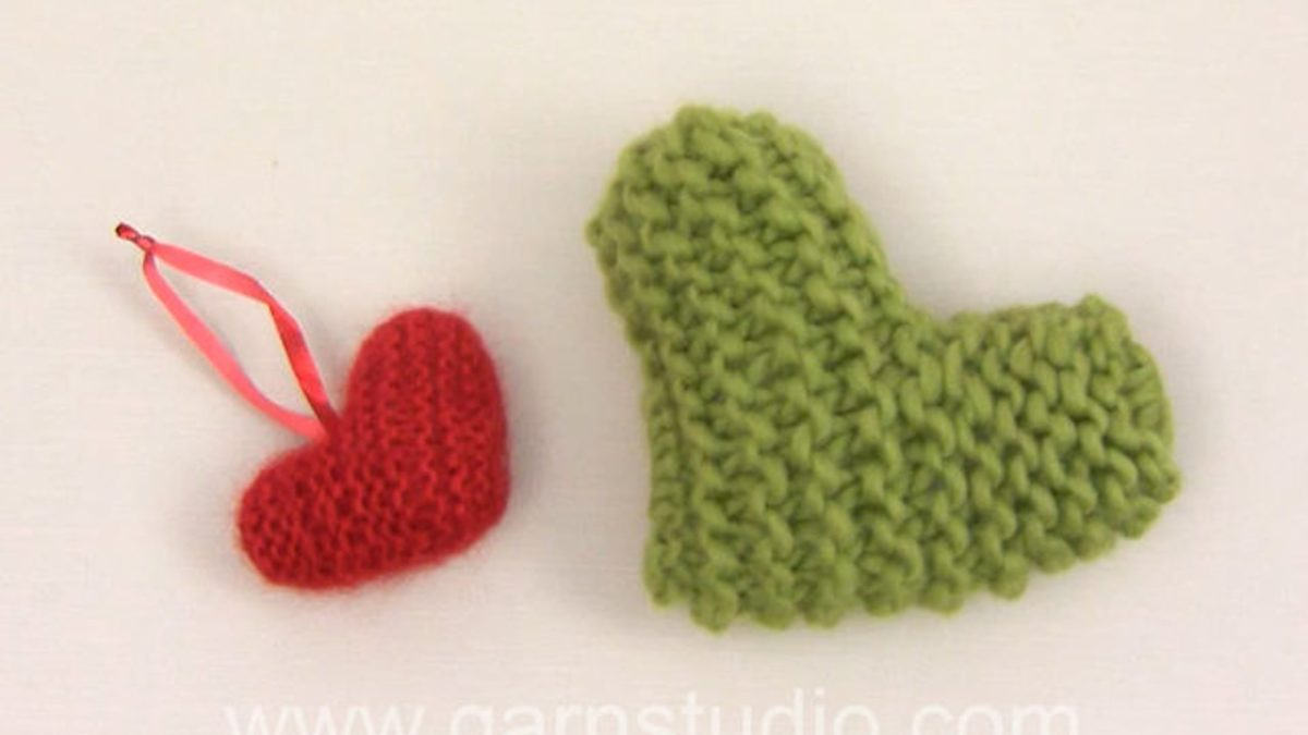 How to knit the Christmas heart in DROPS Extra 0-878
