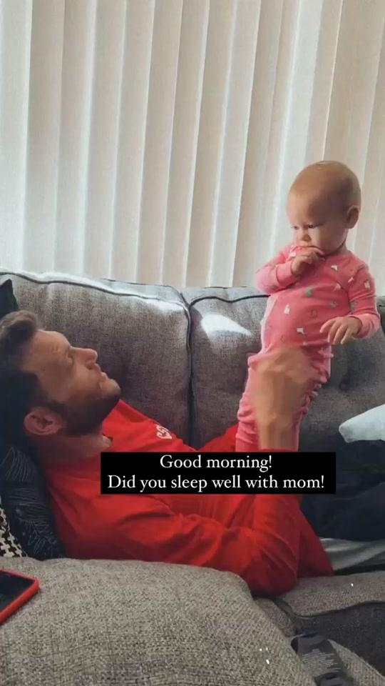 Daddy daughter conversations #deafdad #coda #asl #signlanguage #babyasl #babysign #learn #cutestbaby #deafandhappy