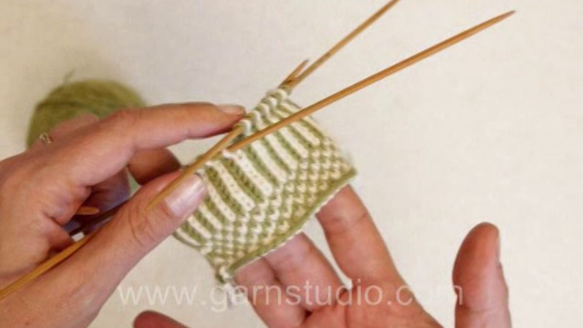 How to do twined knitting