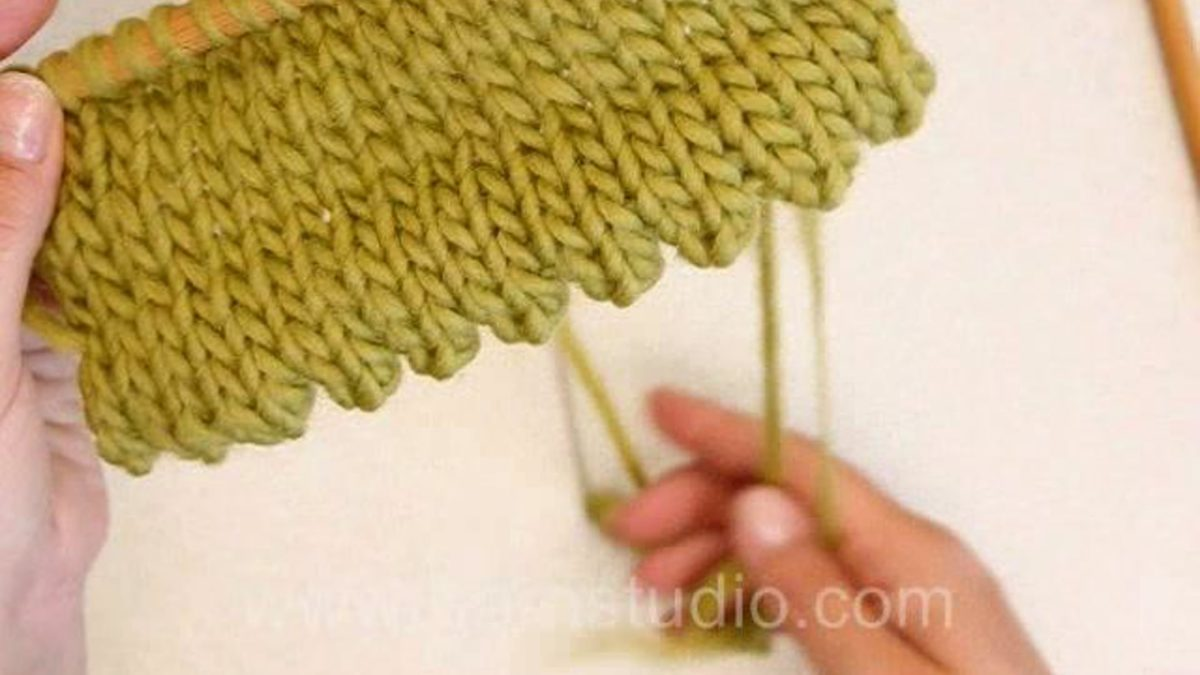 How to knit a hem with picots along the edge