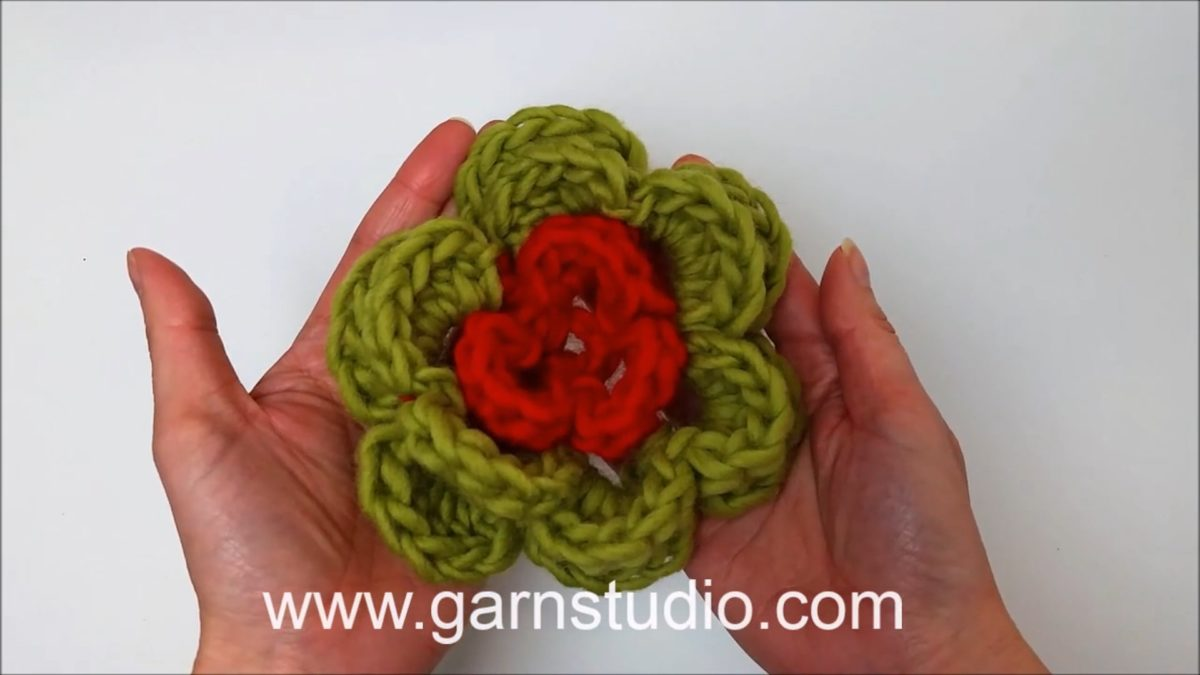 How to crochet a 3-layered 6 leaf flower